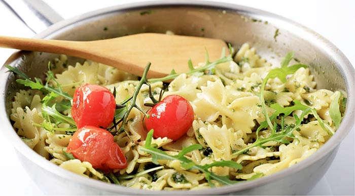 Nudel Rucola Salat
