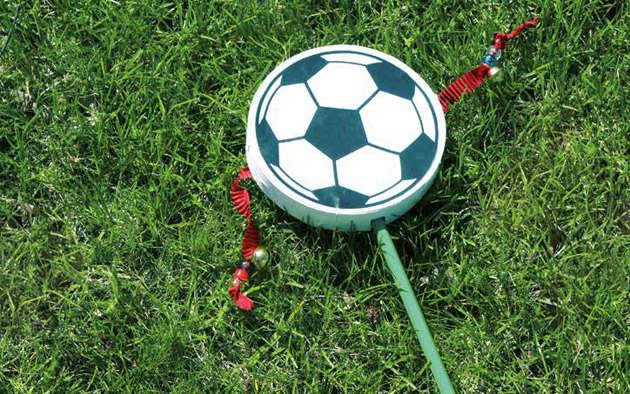 Fußballrassel