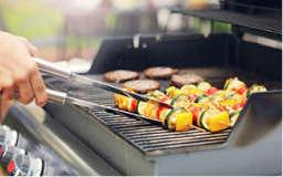 Rösle Gasgrill Steakzone : RÖsle gasgrill bbq station videro g schwarz mbar mit